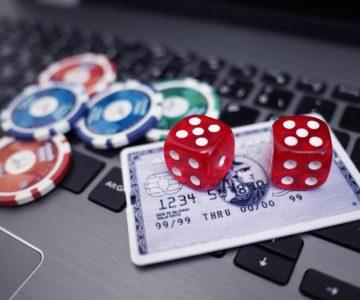 オンラインカジノで勝ったら税金を払わないといけない?